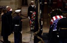 Els nord-americans s'acomiaden de George Bush pare