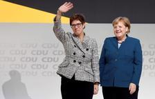 La CDU apuesta por la continuidad al elegir a la sucesora de Merkel