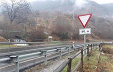 Controlan la estabilidad de un puente de la N-230 en Aran