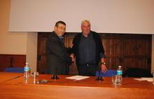 Ramon Carné dejó ayer la presidencia de la comunidad de regantes en manos de Amadeu Ros.