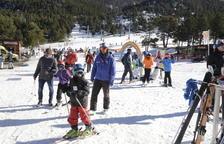 Vents de fins a cent quilòmetres per hora tanquen pistes d'esquí