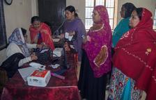 Desenes de morts durant les eleccions a Bangladesh