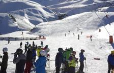 Imatge d'esquiadors a les instal·lacions de Boí Taüll.