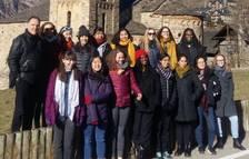 Universitarias americanas visitan el románico de Boí