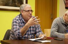 Imatge de Ramon Gassó durant la reunió amb els veïns que es va celebrar dilluns.