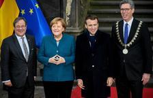 Merkel y Macron renuevan en un tratado bilateral su alianza pro UE