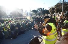El Govern plantea precontratar con una hora los VTC, que amenazan con dejar Barcelona