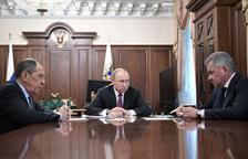Rússia respon als EUA i també se'n va del tractat de desarmament nuclear