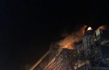 Un foc a la central termosolar de les Borges acapara els bombers