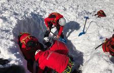 Tres esquiadores heridos, uno grave, al atraparles un alud fuera de pistas en Aran