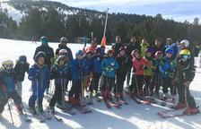Mil nens aprenen a esquiar a les estacions de Lleida