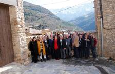 Foto dels alcaldes de l'Alt Urgell a Arsèguel.