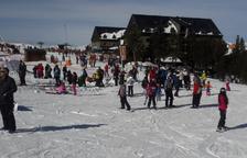 Esquiadors ahir a l'estació de Port Ainé.