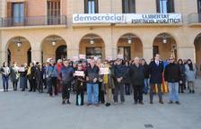Cerca de 100 personas se concentran en Mollerussa contra el juicio del 'Proceso'