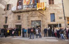 Los concentrados de Tàrrega lo han hecho delante del ayuntamiento y han leído un manifiesto