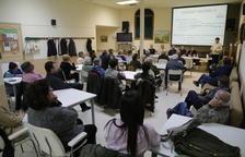 Reunión de vecinos en Puigverd de Lleida sobre el agua potable