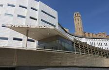 Exterior del Palau de Justícia de Lleida, amb la Seu Vella de fons.