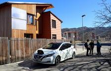 La casa bioclimática de Aramunt, en Conca de Dalt, también puede cargar coches eléctricos.