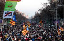 Milers de persones surten al carrer arreu de Catalunya