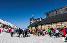 El bon temps anima l'esquí