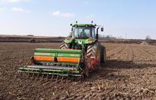 La venda de tractors nous va descendir més d'un 24 per cent a Lleida l'any 2018