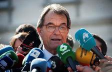 El expresidente de la Generalitat, Artur Mas, hace declaraciones a los medios a su salida del Tribunal Supremo tras comparecer hoy como testigo en el juicio del