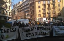 Nova mobilització de quatre-cents jubilats d'Endesa a Barcelona