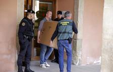 La Guàrdia Civil escorcolla el consistori d'Almacelles i busca frau en contractes