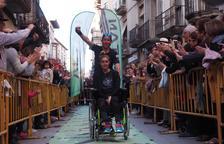 Raül Arenas y Noe Gaya llegaron ayer a Tàrrega, donde decenas de vecinos les ovacionaron.