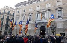 El president Torra manté els llaços grocs a la Generalitat i a les seus de les conselleries