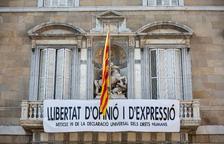 La Generalitat treu la pancarta dels presos i en posa una altra demanant llibertat d'expressió