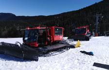 Les màquines que pugen els esquiadors fins a la cota 2.000 a l'estació d'Espot.