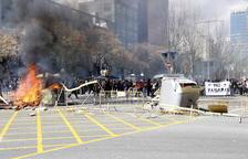 Vox 'punxa' a Barcelona en una jornada amb 7 detinguts i 5 ferits