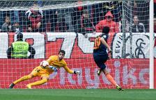 El València assalta el Pizjuán i es posa en la lluita per la Champions