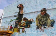 Grafiti gigante de Lily Brik en el Museu de l'Oli de La Granadella