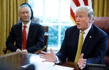 Trump es burla de les disculpes de Biden per grapejar dones