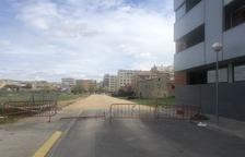 Fraga prolonga la calle Teruel y repinta 30 pasos de peatones