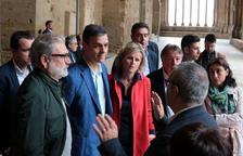 El PSOE guanyaria les eleccions amb 121 escons, segons els sondejos