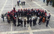 Recital del cor de caramelles de la Germandat de Sant Sebastià, ahir a la capital de l'Alt Urgell.