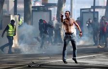 Almenys 189 detinguts en les protestes dels Armilles Grogues