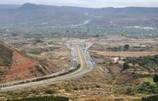 Muere un vecino de Lleida en una colisión frontal en la A-2 en Fraga