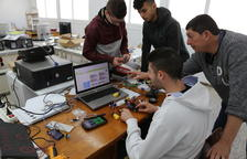 Alumnes de Mequinensa creen els seus robots