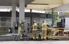 Ferit crític a l'explotar un dipòsit d'una gasolinera a Fonolleres