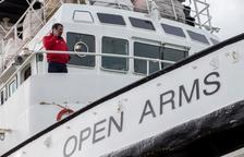 Open Arms llega a Lesbos con ayuda humanitaria