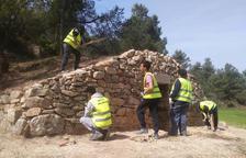 Alumnes de Mollerussa restauren una cabana de volta