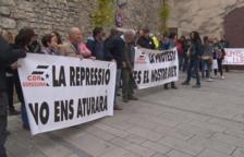 VÍDEO. Concentració davant el jutjat de Cervera en suport als encausats de la vaga del 21 de febrer