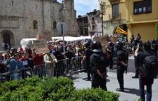 Concentració antifeixista a l'acte central de Vox a la Seu d'Urgell