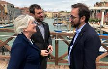 Ponsatí y Comín visitan por sorpresa la Bienal de Venecia