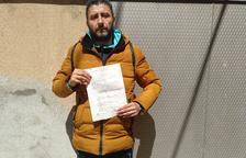 """Denuncia a tres vecinos del Secà """"por hacerme la vida imposible"""""""