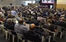 Un momento de la asamblea de la FCAC, presidida por Ramon Sarroca y clausurada por Quim Torra.